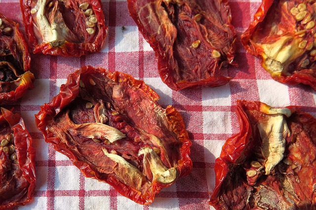 sun-dried-tomatoes-3597853_640