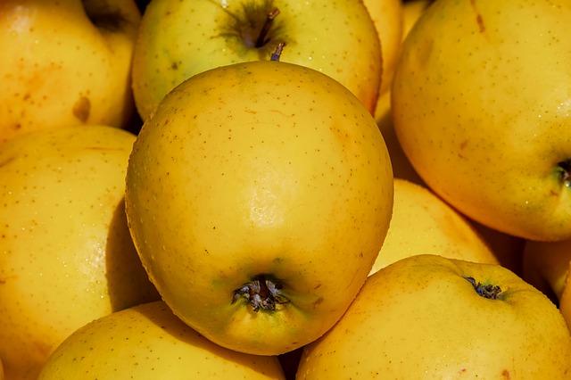 apple-3433812_640